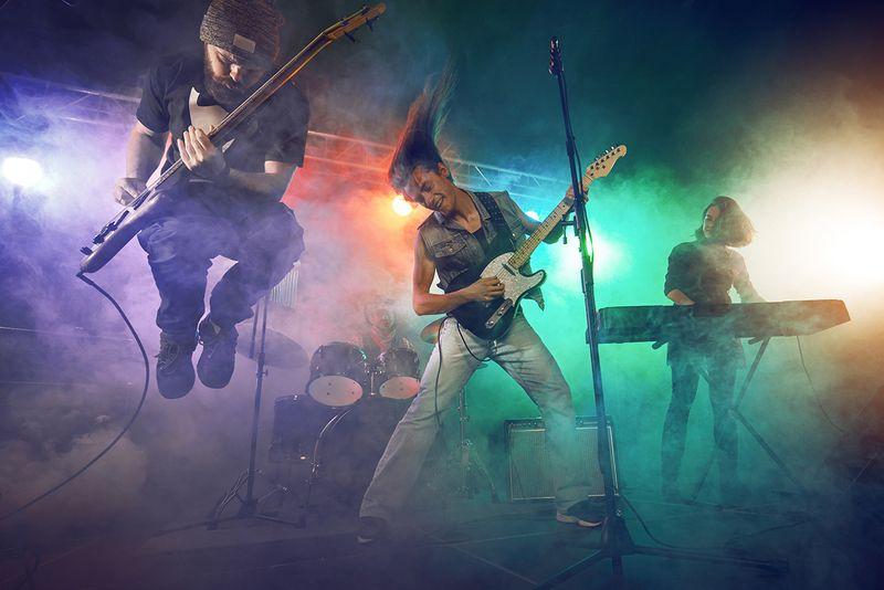 Live Music Saturdays!!