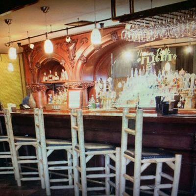 Chet's Bar & Grill