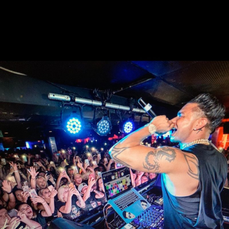 The Headliner Nightclub